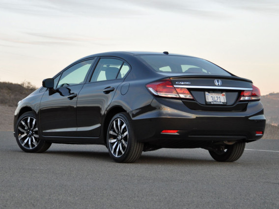 2014 Honda Civic vs 2014 Toyota Corolla rear side