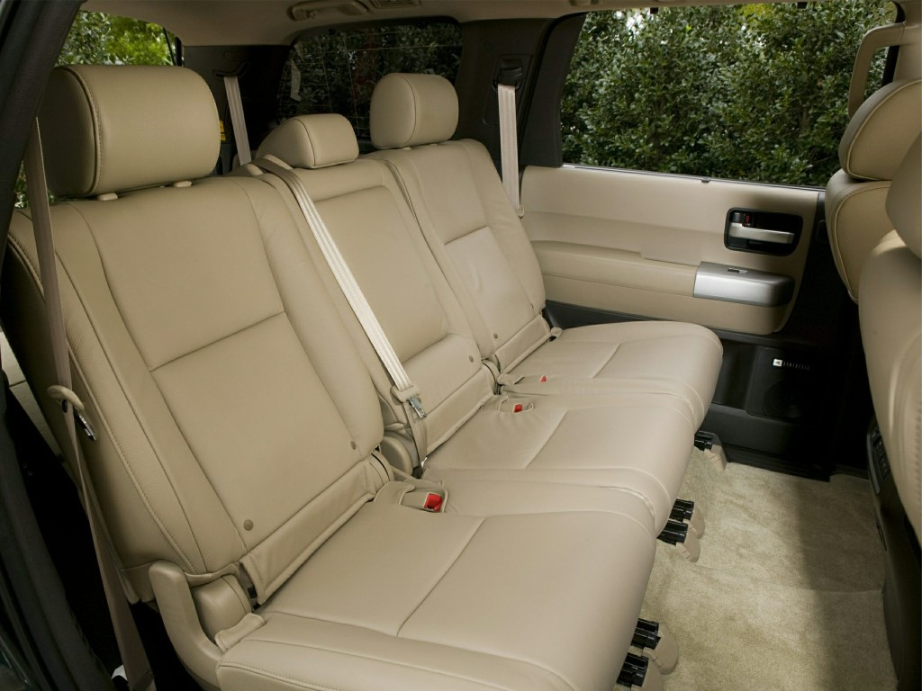 2014 Toyota Sequoia SUV rear seats