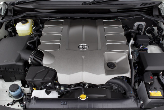 2015 Toyota  Land Cruiser V8 engine