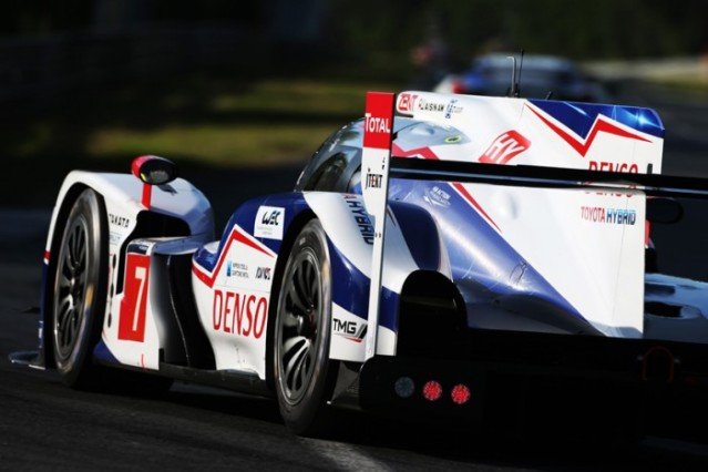 2015 Nissan GT-R vs Toyota TS040 Hybrid rear side Toyota