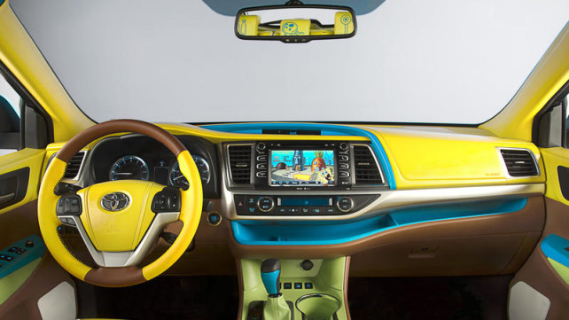 2014 Toyota Highlander Spongebob Squarepants interior