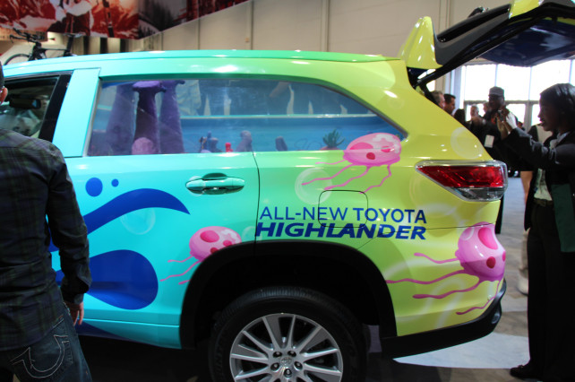 2014 Toyota Highlander Spongebob Squarepants rear side