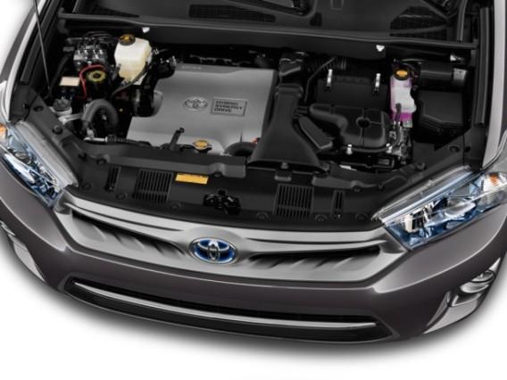 2015 Toyota Kluger engine
