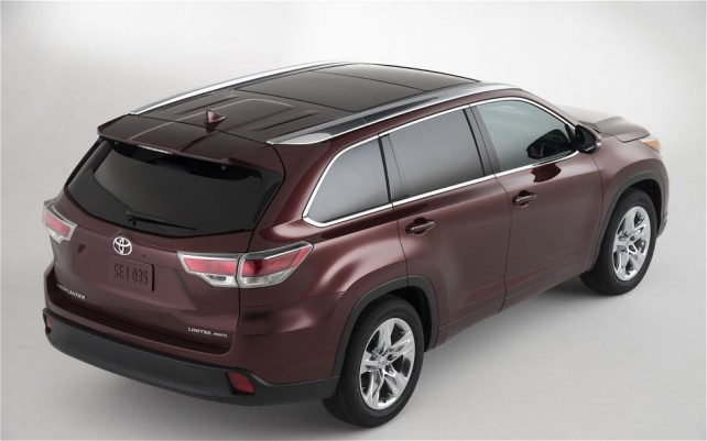 2015 Toyota Kluger roof