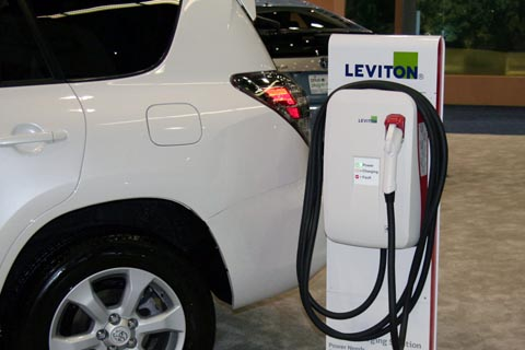2014 Toyota RAV4 Electric charge in