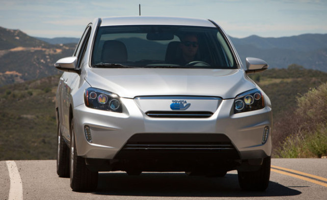 2014 Toyota RAV4 Electric front side