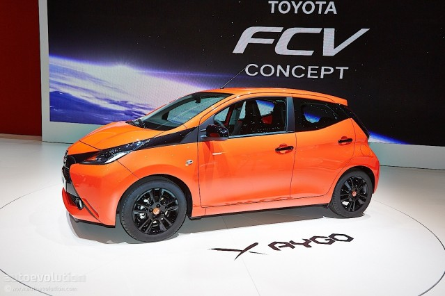 2014 Toyota Aygo side