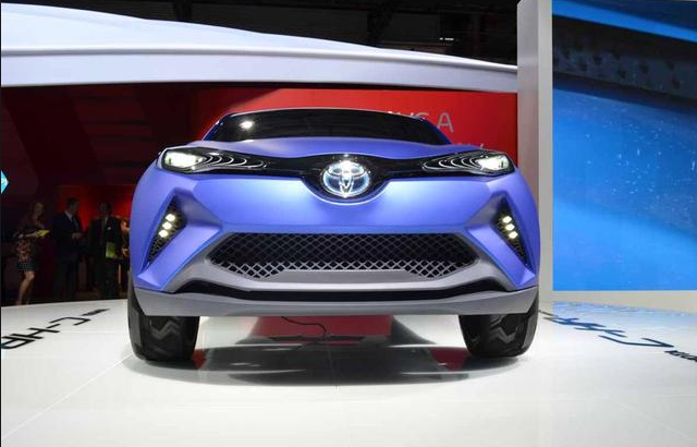 2015 Toyota C-HR front grill