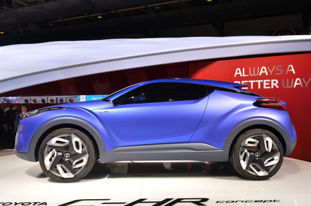 2015 Toyota C-HR side