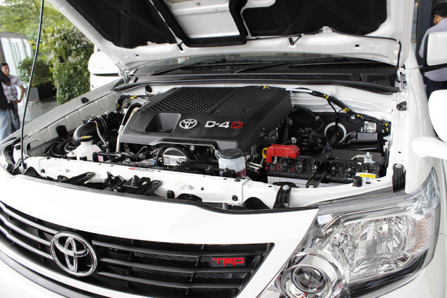 2015 Toyota Fortuner SUV engine