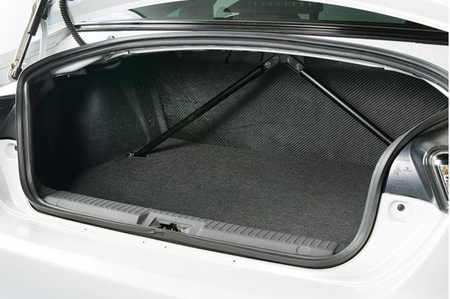 2014 Toyota GT 86 14R60 cargo space
