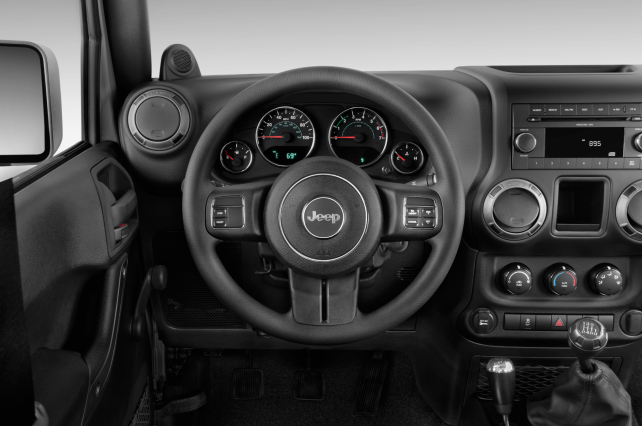 2014 Jeep Wrangler Unlimited vs Toyota 4Runner TRD Pro jeep steering wheel