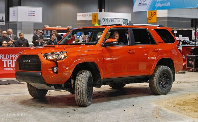 2014 Jeep Wrangler Unlimited vs Toyota 4Runner TRD Pro toyota
