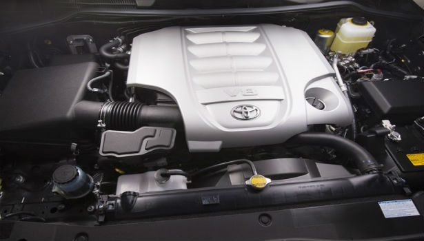 2015 Toyota Land Cruiser engine