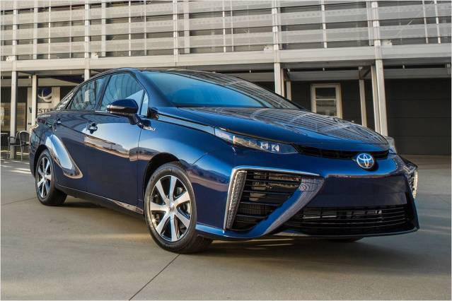 2016 Toyota Mirai front side