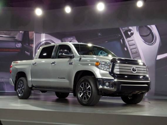 2015 Toyota Tundra Diesel front side