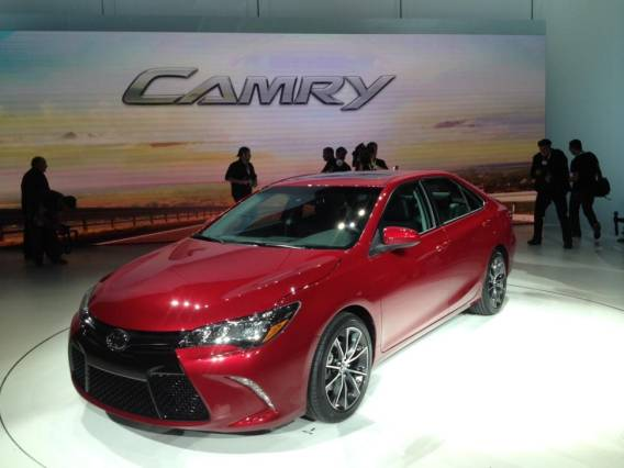 2015 Honda Accord vs Toyota Camry front side camry