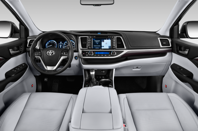 2015 Toyota Highlander Hybrid Limited interior