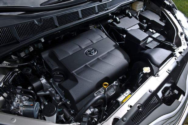 2016 Toyota Sienna DUB Edition engine