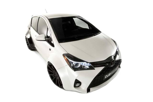 2016 Toyota Yaris DUB front side