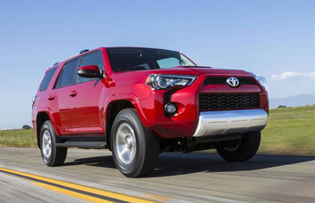 2015 Toyota 4runner vs. 2015 Jeep Grand Cherokee front side 4runner
