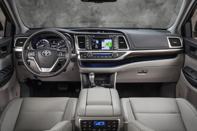 Superb 2015 Toyota Highlander Interior