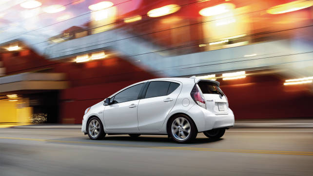 2015 toyota prius review. Black Bedroom Furniture Sets. Home Design Ideas