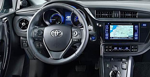 2017-toyota-auris-interior