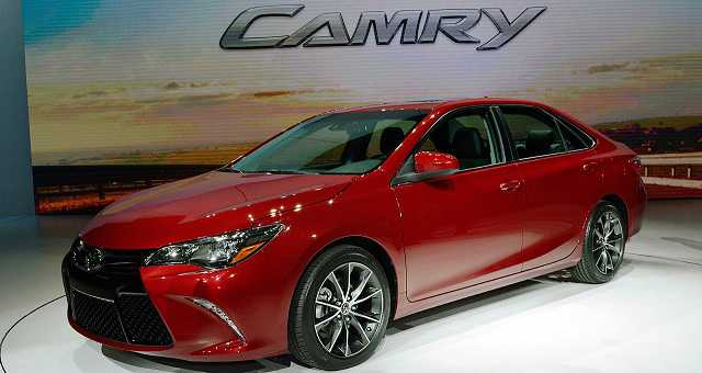 Toyota Camry 2017 front