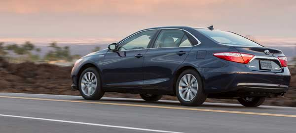 Toyota Camry 2017 side