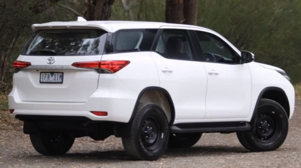 Toyota Fortuner 2017 side