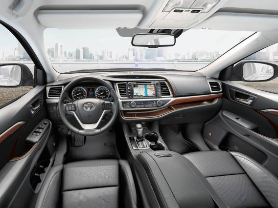 2017-toyota-highlander-interior