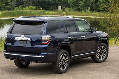 2019-Toyota-4Runner-back