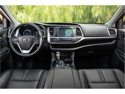 2018-Toyota-Highlander-interior